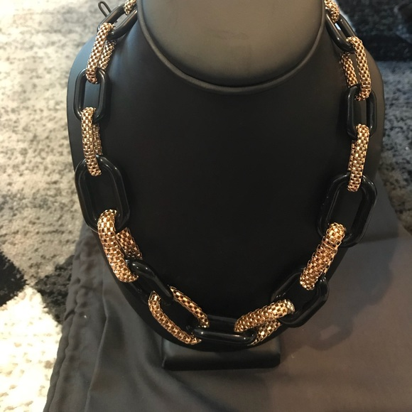 Forever 21 Jewelry - Forever 21 Black and Gold Mesh Necklace